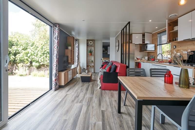 Intérieur du bungalow de luxe à louer dans les landes
