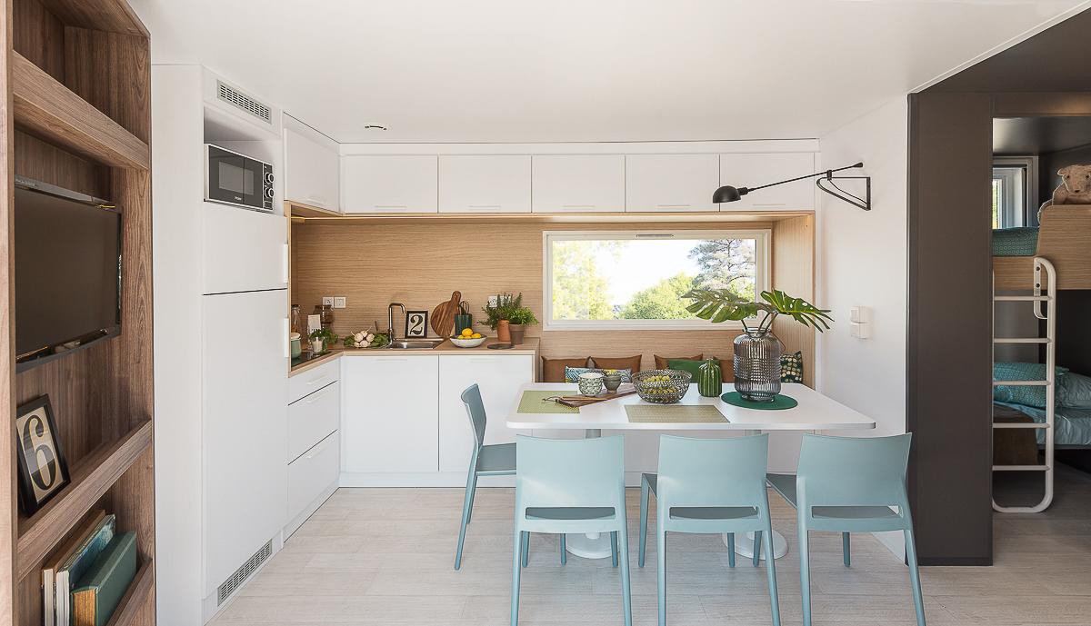 Salon et cuisine du cottage de luxe