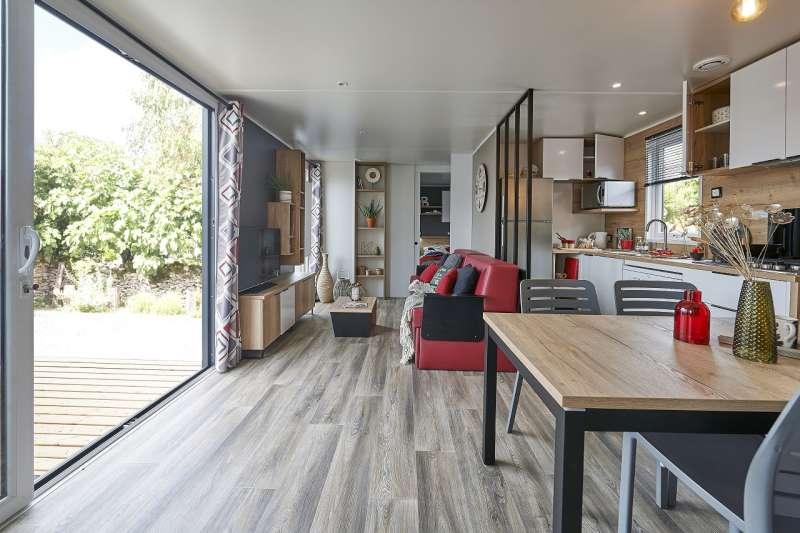 Salon du bungalow, confortable et aménagé